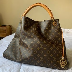 Authentic Louis Vuitton Artsy Large Monogram Bag